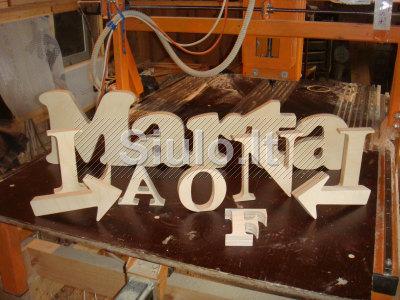 CNC medinių detalių frezavimas, tekinimas