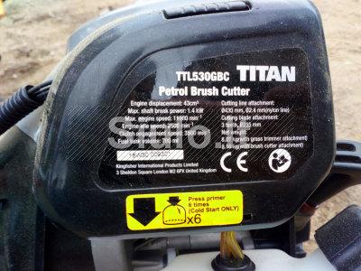 Titan trimeriai
